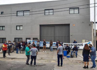 """Despidos sin causa"": vuelven a reclamar frente a la firma alimenticia Weyedaex"