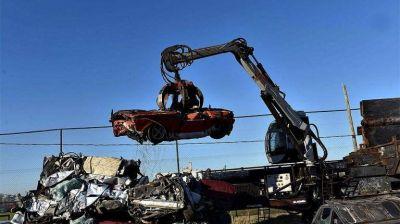 Eliminaron más de dos mil toneladas de chatarra con la compactación de vehículos