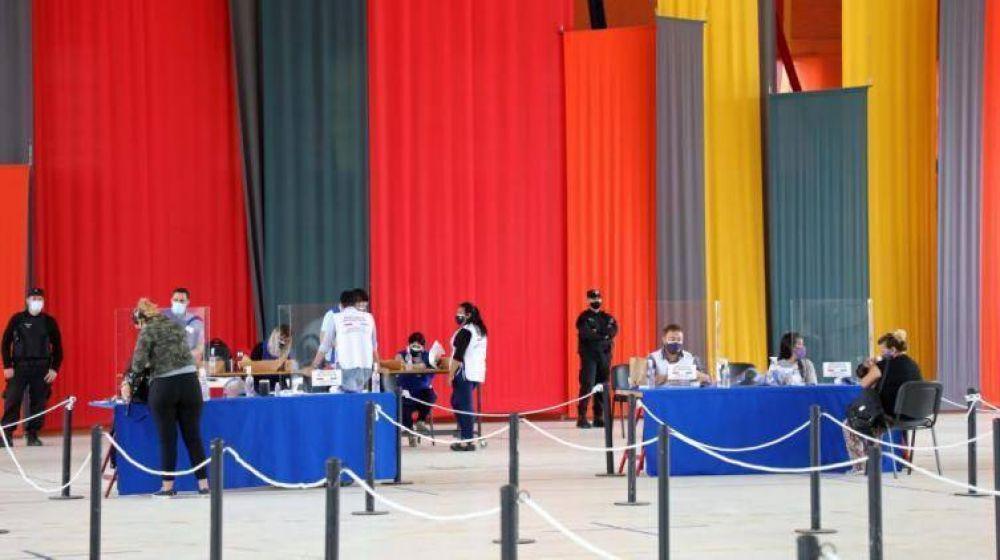 La provincia avanza con la entrega de las tarjetas AlimentAR
