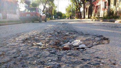 Bacheo en Córdoba: Llaryora le agradeció a Alberto Fernández por las obras
