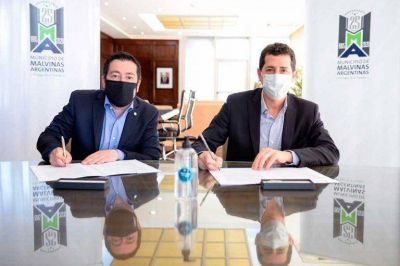 """Malvinas Argentinas: Nardini y """"Wado"""" de Pedro firmaron un convenio para paliar la situación sanitaria y social del distrito"""
