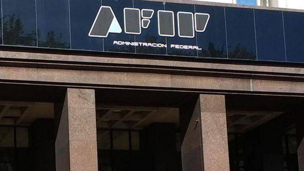 El Gobierno estiró la paritaria del 7% a la AFIP aunque la pagará con sumas fijas