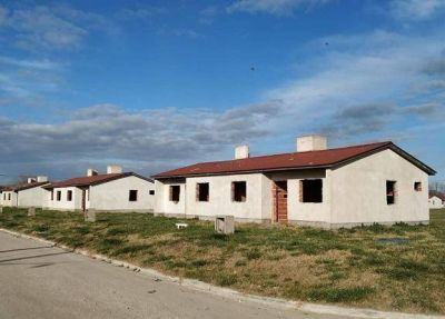 El intendente Paredi anunció la reactivación de las 112 viviendas de Coronel Vidal y Vivoratá