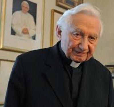 Papa Benedicto renuncia a herencia de su hermano, que pasa a la Santa Sede