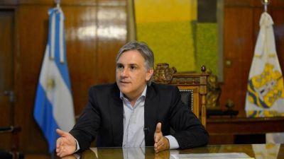 Llaryora logró reestructurar la deuda externa municipal