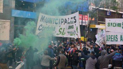 Córdoba: vecinos agreden a manifestantes municipales