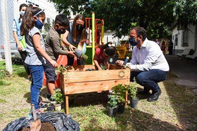 """Ariel Sujarchuk participó de las actividades de cierre del proyecto Escobar Sostenible en el jardín municipal """"El Jacarandá"""""""