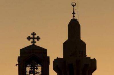 Crece la intolerancia religiosa en particular contra musulmanes y cristianos