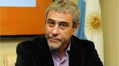"Carrió fustigó a Ferraresi: ""Es un fanático kirchnerista con muchos problemas con la mafia policial"""