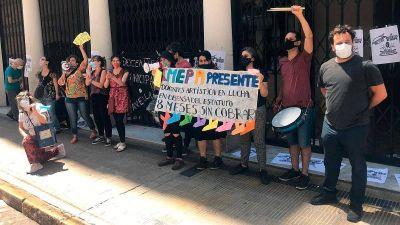Protesta de docentes en Avellaneda: hace ocho meses que no cobran