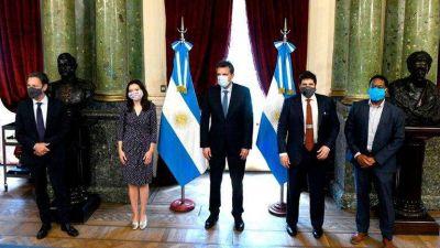 Sergio Massa recibió a la misión del FMI y garantizó apoyo parlamentario si el nuevo acuerdo no contempla un ajuste