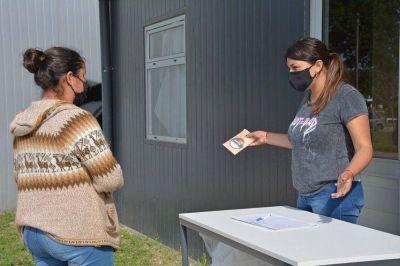 Pro Huerta INTA entrega semillas primavera- verano