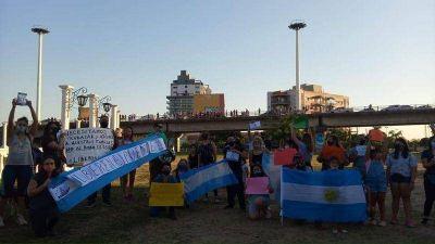 Corte total en el puente por protesta de chaqueños autoconvocados