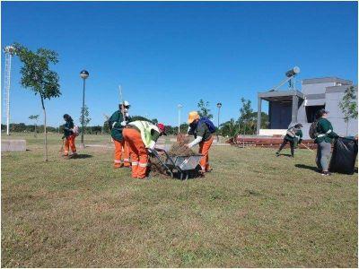 La Ciudad colabora con el gobierno provincial en el saneamiento del Parque de la Democracia