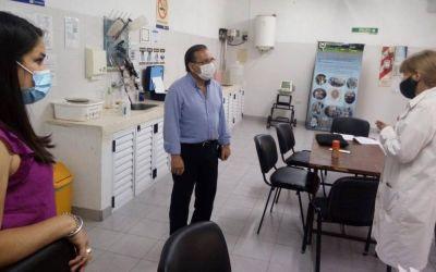 Cardozo visitó el Laboratorio de Tecnología de los Alimentos