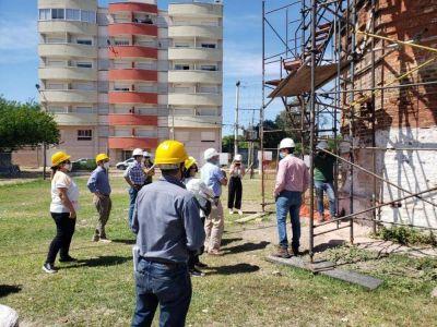 Muestran avance de los trabajos de restauración de la histórica chimenea del Bañado Norte