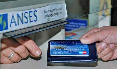 Los santiagueños que perciben la AUH recibirían bono de $ 8.000