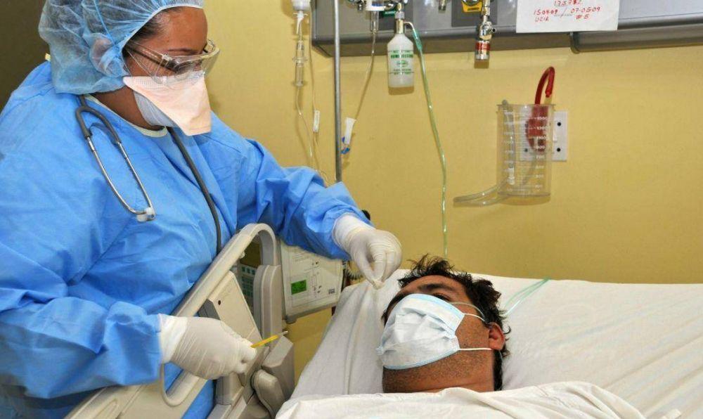 Enfermeros universitarios reclaman que les entreguen el título