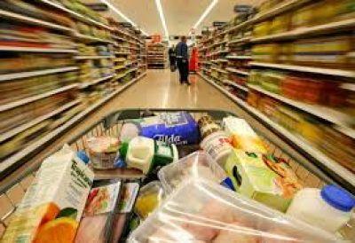 Se contrajo en octubre el consumo masivo, pero en el acumulado de año sigue en alza