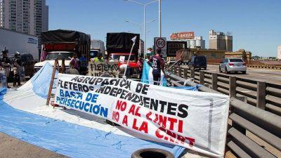"""Protesta: Fleteros reclamaron la aplicación de """"distintas categorías para el pago de impuestos"""""""