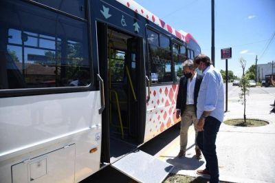 Garro presentó nuevos colectivos de última tecnología para la ciudad