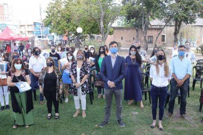 Morón: entregaron kits de higiene y protección a docentes que irán a domicilios a ayudar a estudiantes