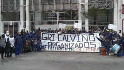 Varela: Metalúrgicos de Gri Calviño marcharon desde Puente Pueyrredón hasta la Cámara Patronal de Energía Eólica y el Congreso