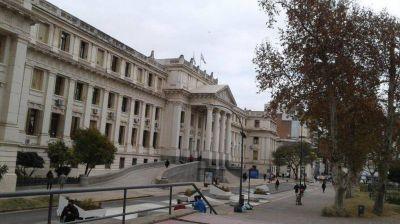 Continúa el paro de empleados judiciales en Córdoba en reclamo de aumento salarial