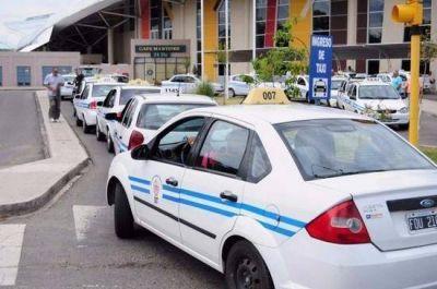 Taxistas piden aumento del 25% en la bajada de bandera