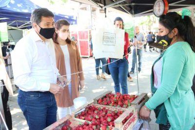 Moreno | Fernández y Arroyo visitaron el Mercado Popular de la Plaza Gral. San Martín