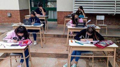 La provincia de Santa Fe comenzaría el próximo ciclo lectivo el 15 de marzo