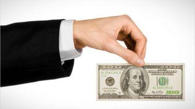 El blue se plantó en $ 163 y el contado con liqui superó la barrera de los $ 150