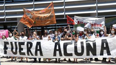 Paro docente, caravana y clase pública en repudio a las expresiones de Acuña