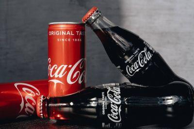 La curiosa historia de cómo Pepsi salvó a Coca-Cola de que se revelara su receta secreta