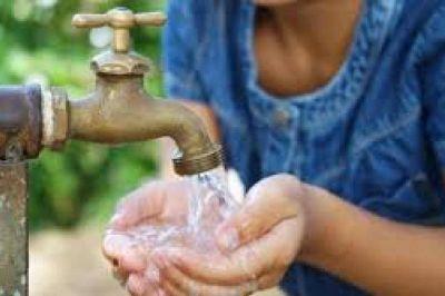 Cada vez son más los barrios de La Plata que tienen problemas con el agua