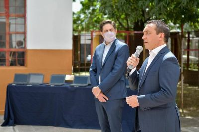Trotta entregó más de 2.500 netbooks a alumnos del distrito bonaerense de Florencio Varela