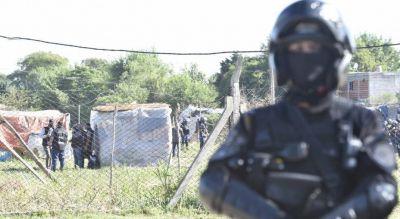 Detienen a una legisladora y a dirigentes del Polo Obrero durante el desalojo de una toma de tierras