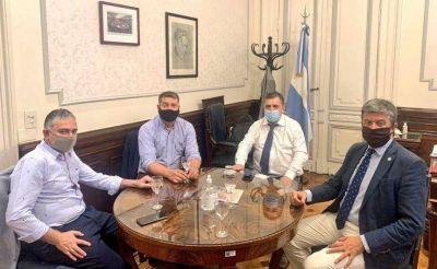 Cafecito entre radicales en Buenos Aires
