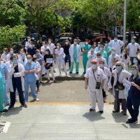 Médicos porteños presionan al sindicato por aumento salarial del 100% y amenazan con sobrepasarlo con acciones directas