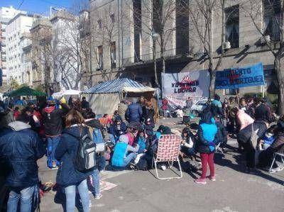 """Avanza el operativo """"Fiestas en Paz"""" con una licitación clave para contener las demandas de las organizaciones sociales"""