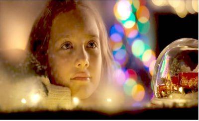Coca-Cola presenta su icónica campaña de publicidad navideña