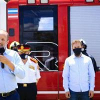 Insaurralde participó en la condecoración de los Bomberos Voluntarios de Lomas de Zamora