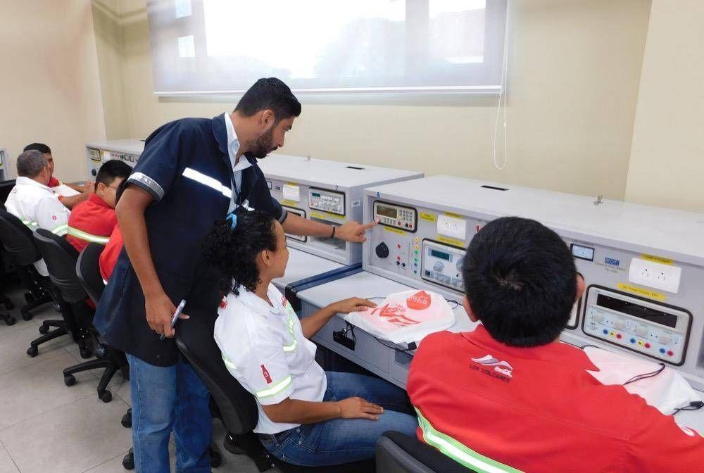 Embotelladora Los Volcanes realiza inversión académica