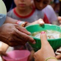 Acusan a intendente de robarle harina a los comedores: