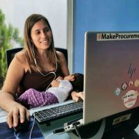 Coca Cola FEMSA amplia licencia de maternidad e implementa jornadas flexibles