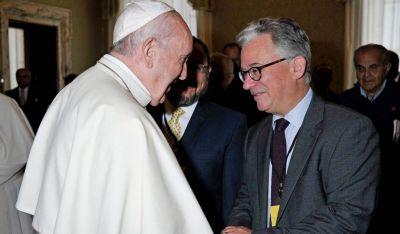 Francisco afirma en un nuevo libro que las mujeres no necesitan ser sacerdotes para dirigir la Iglesia