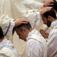 Desciende el número de sacerdotes en Europa; sube en Asia y África