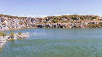 La Justicia instó al Municipio a controlar el acceso a las cavas de Cerro Leones