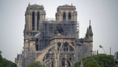 Las obras de Notre Dame retiran todo el andamiaje quemado