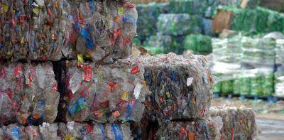 Impulsan soluciones colectivas para mejorar la gestión de envases plásticos en Argentina